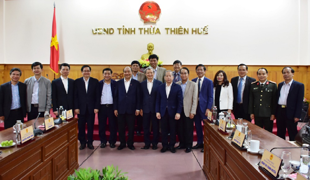 Nghi Quyet 54 Bo Chinh Tri Quyet Dinh Hue La TP Truc Thuoc Trung Uong.